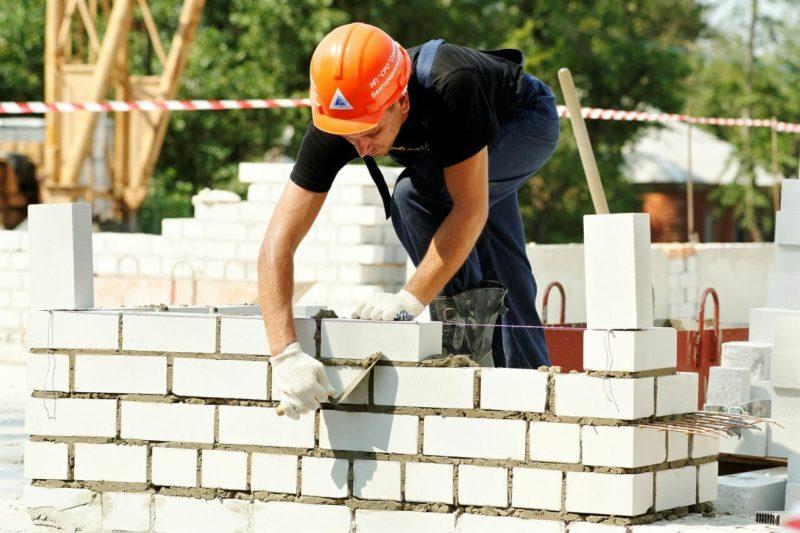 Особенности и способы строительства стен дома