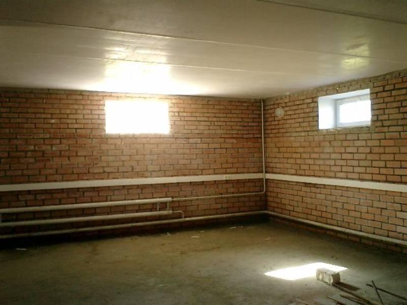 Цокольные этажи и подвалы