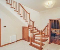 Как и чем обшить лестницу?