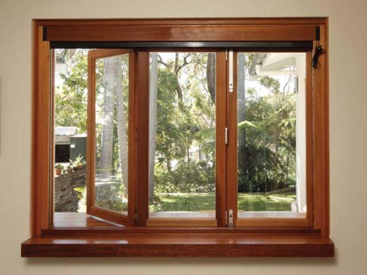 Современные окна из дерева и пластика