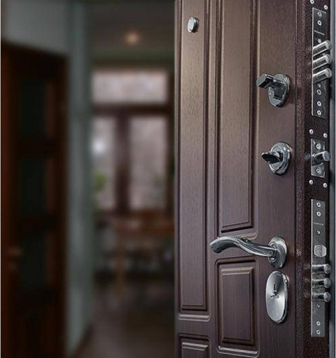 Особенности качественных металлических дверей