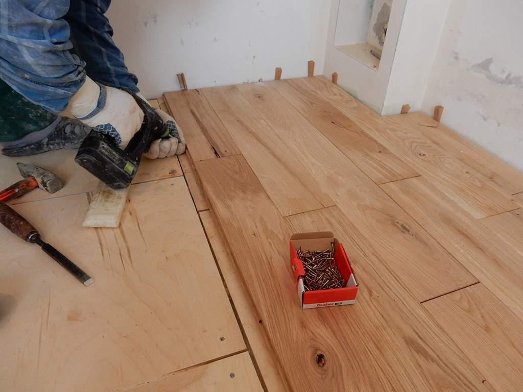 Изготавливаем деревянный пол