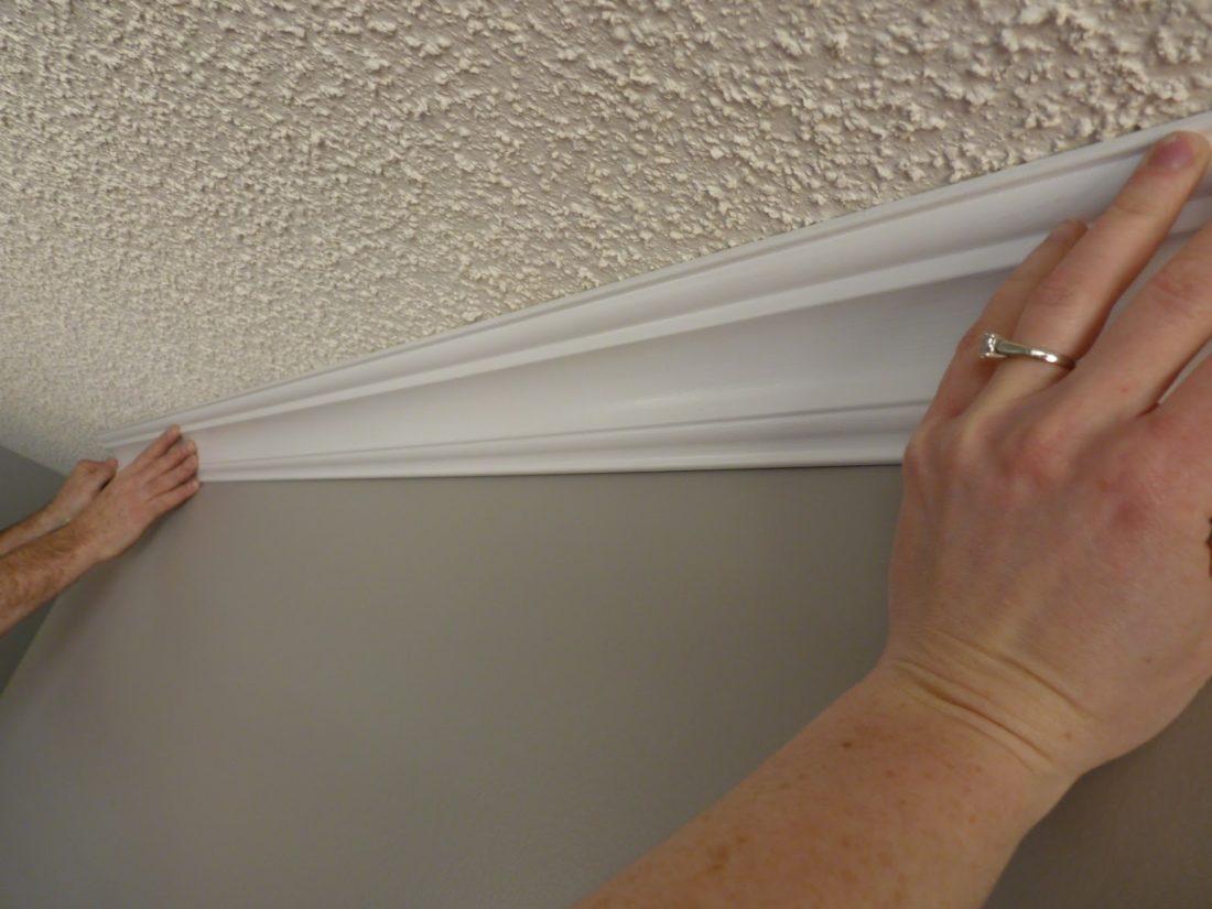 Установка бордюра (багет) на внешний угол потолка своими руками
