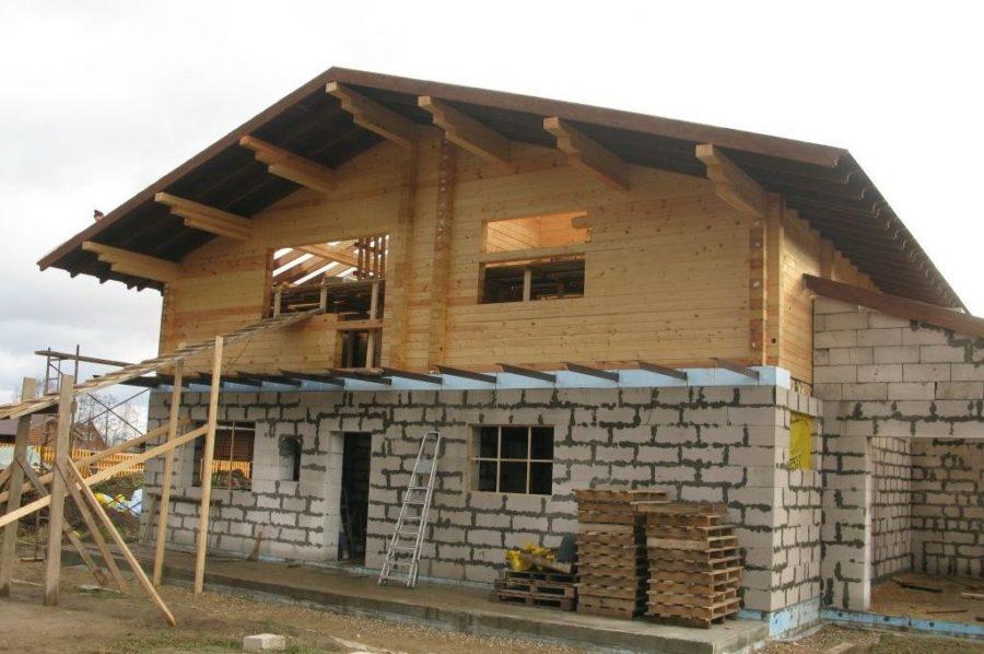 Строим дом: кирпич, дерево или…