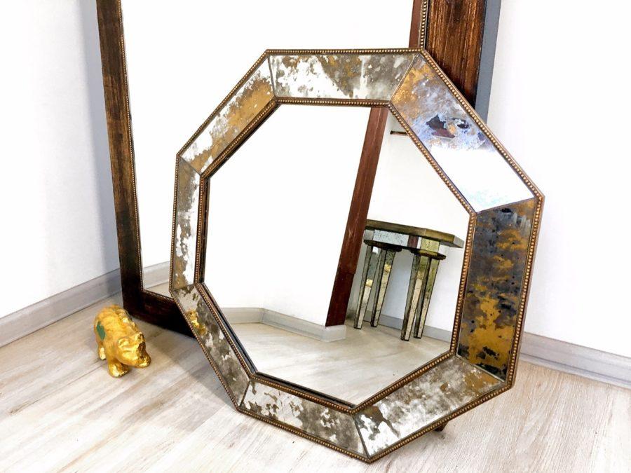 Состаренные зеркала для оживления обстановки