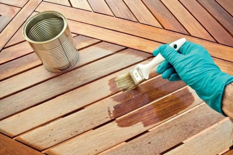 Чем защитить деревянные поверхности на участке