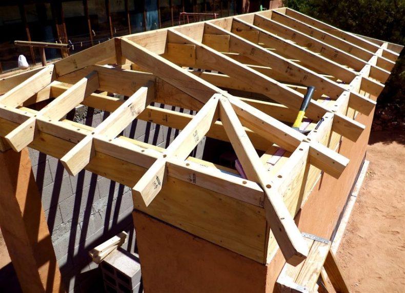 Укрепление конструкции возводимой крыши