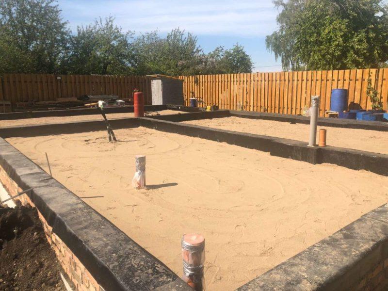 Песчаная подушка для фундамента