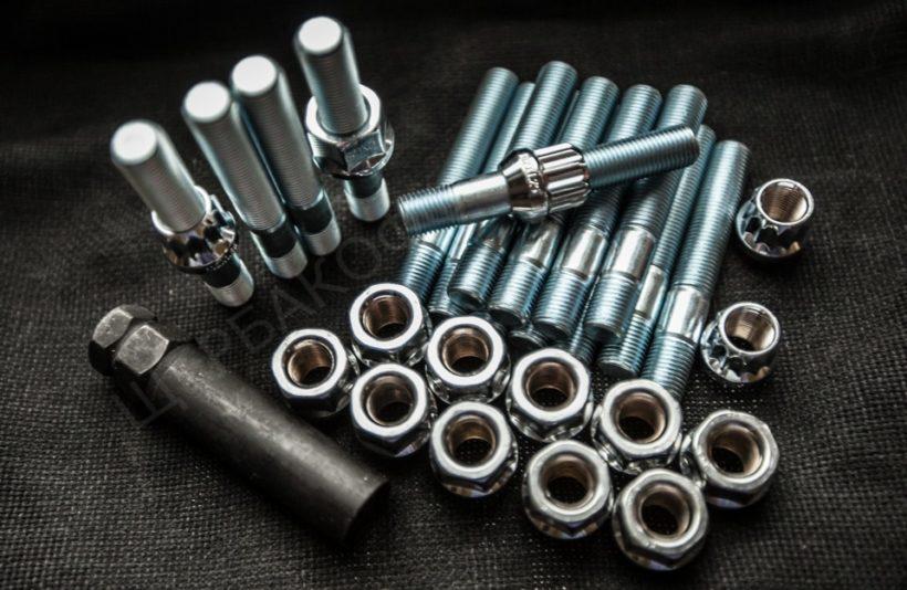 Виды крепёжных элементов – гайки и заклёпки