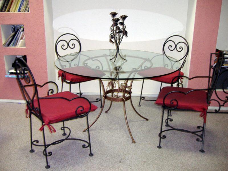 Стильные элементы интерьера: кованая мебель для вашего жилища