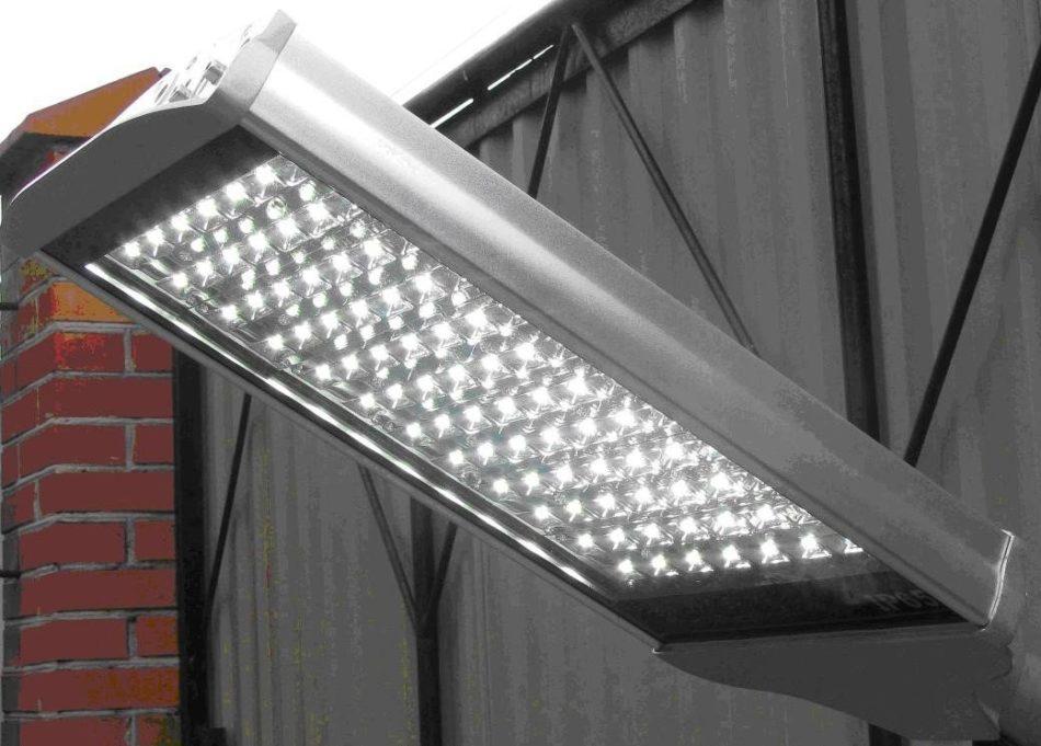 Система наружного освещения - светодиодные прожекторы