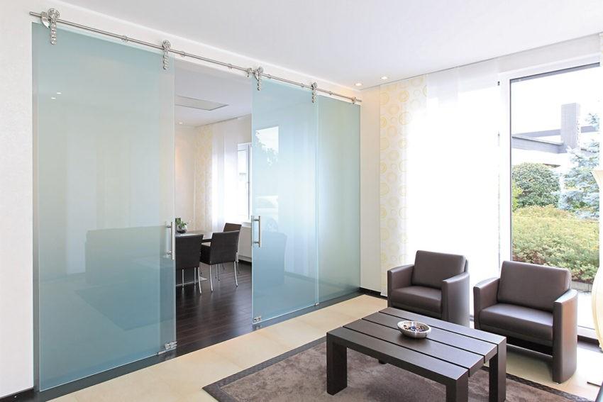 Раздвижные стеклянные двери и их особенности