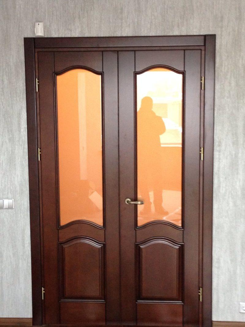 Монтаж двухстворчатой двери: как произвести?
