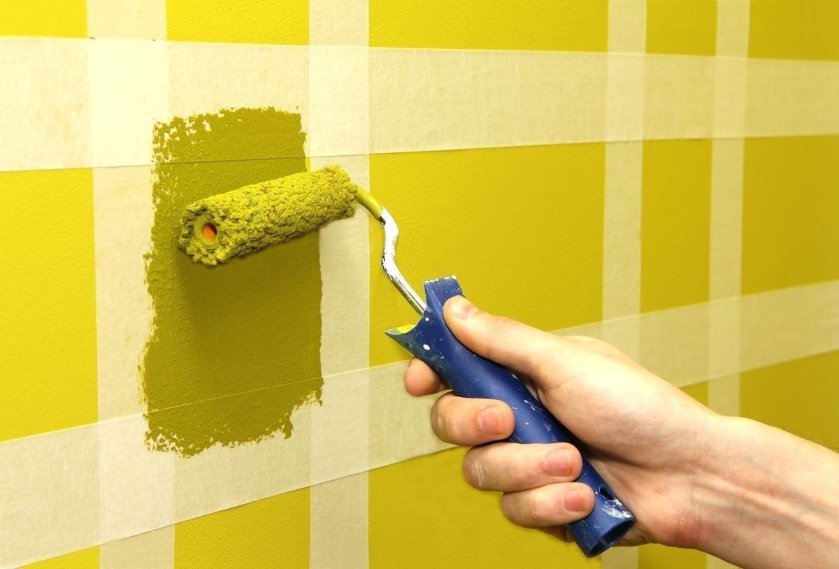 Школа ремонта: красим стены