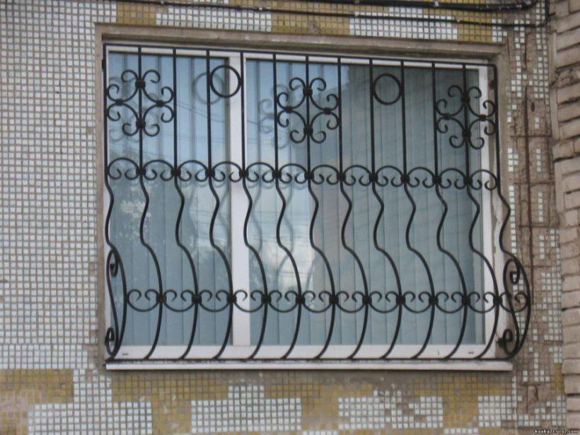 Решетки на окна – необходимая защита и элемент декора