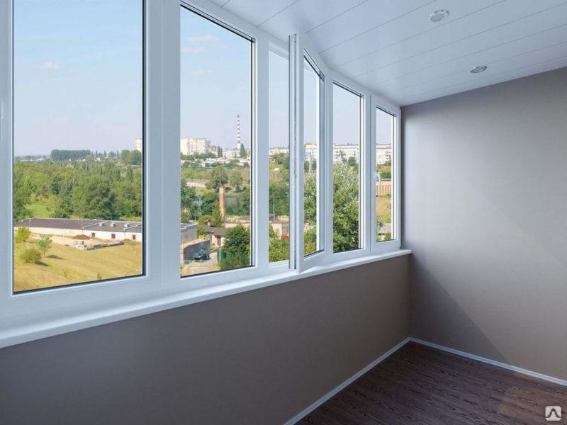 Остекление балкона – популярная услуга в наше время