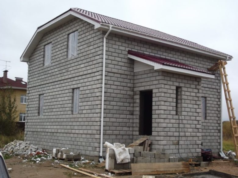 Строительство дома из теплоблоков