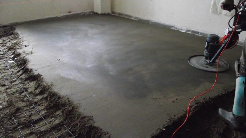 Как самостоятельно залить бетонный пол