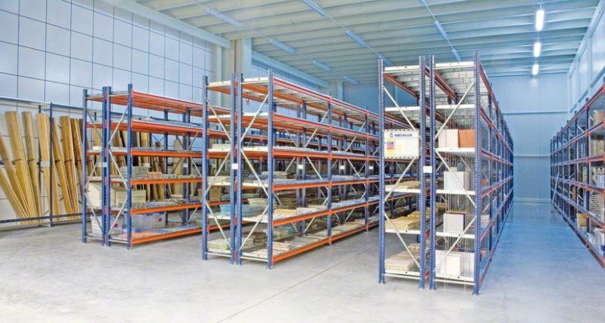 Стеллаж – полезная конструкция на складе