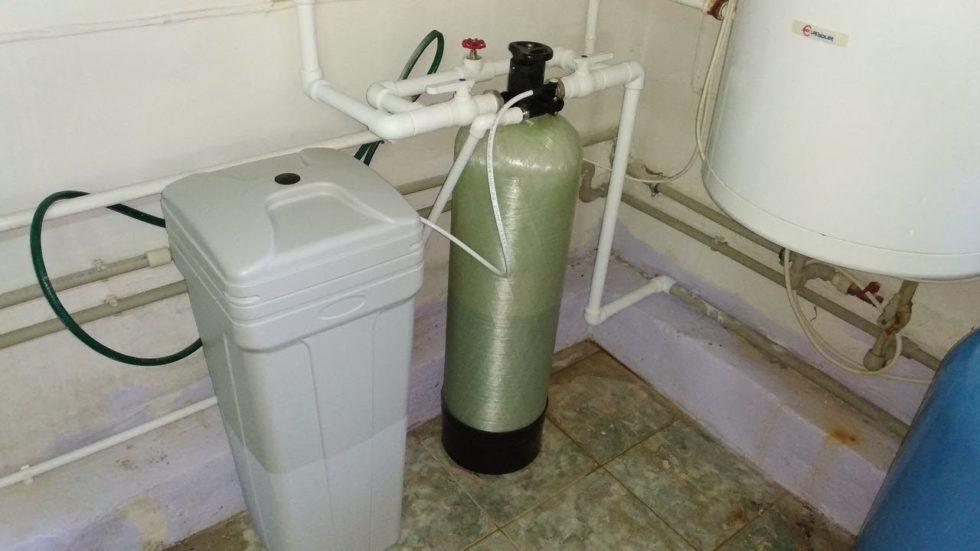 Зачем нужны обезжелезиватели воды?